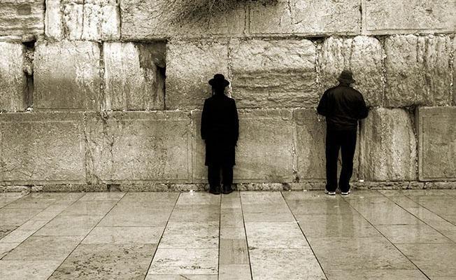 Nefret söyleminin hedefi Yahudiler ve Suriyeliler