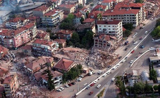 """""""Olası İstanbul depreminde 3 bine yakın bina yanacak!"""""""