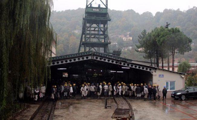 Özelleştirmeye karşı 3 bin madenci yer altında