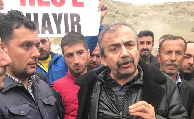 Sırrı Süreyya Adıyaman'da: Köylüleri dinleyin