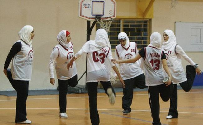 Suudi Arabistan'da ilk kadın basketbol turnuvası yapıldı