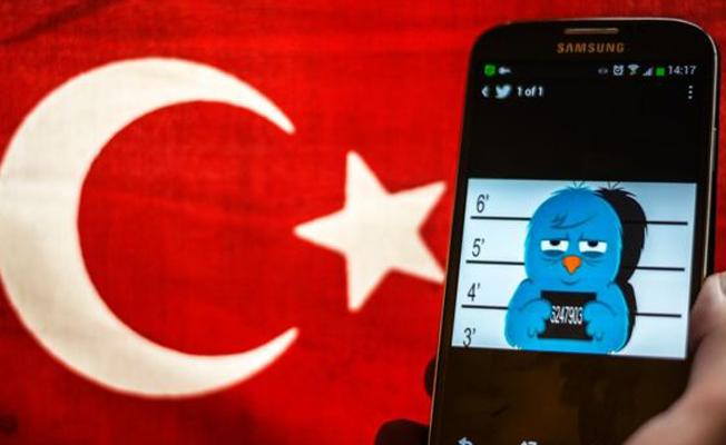 'Türkiye, internet özgürlüğünün en hızlı azaldığı ülkelerden'