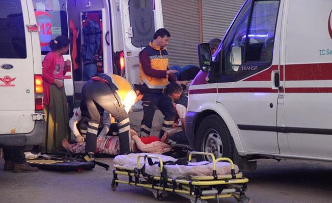 Urfa'da sera işçilerini taşıyan minibüs ile otomobil çarpıştı: 2 ölü
