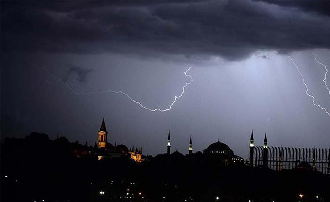 AKOM'dan uyarı: Fırtına ve sağanak geliyor