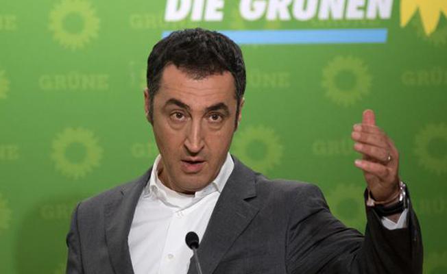 Cem Özdemir: Almanya'da paralel yapılanma kabul edilemez