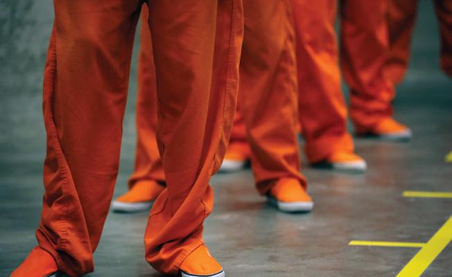 Diyarbakır Cezaevi'nde tek tip kıyafete karşı çıkan mahpuslara ceza