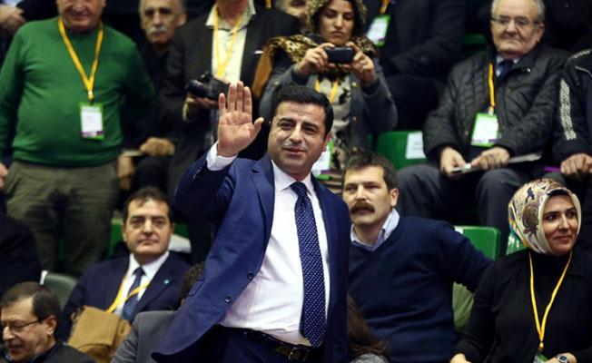 Demirtaş'tan partisine 'Benimle ilgili kararı verin' mesajı
