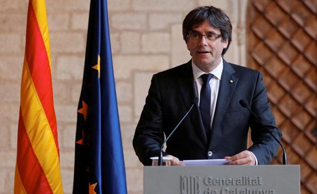 İspanya, Katalan liderler hakkındaki yakalama kararını geri çekti