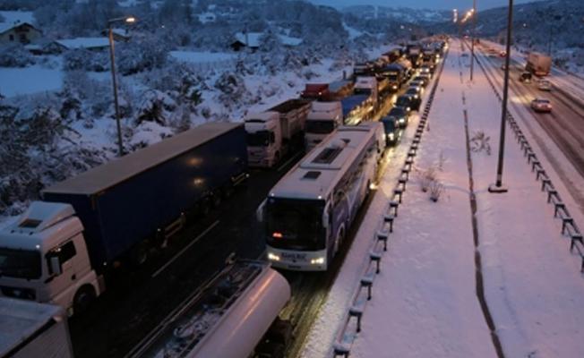 İstanbul-Ankara Otoyolu kapandı