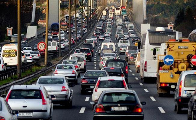 İstanbullular trafikte ne kadar vakit kaybediyor?