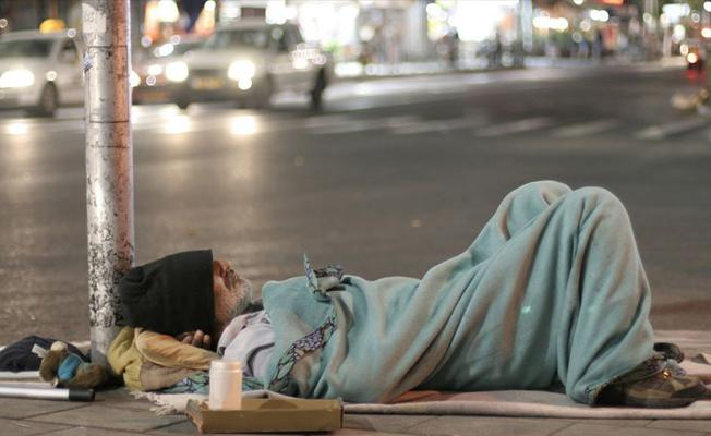 Kamuya açık alanlarda uyuyan evsizlere ceza geliyor