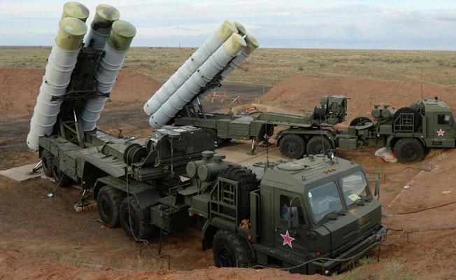Milli Savunma Bakanı: S-400'lerde anlaşma sağlandı