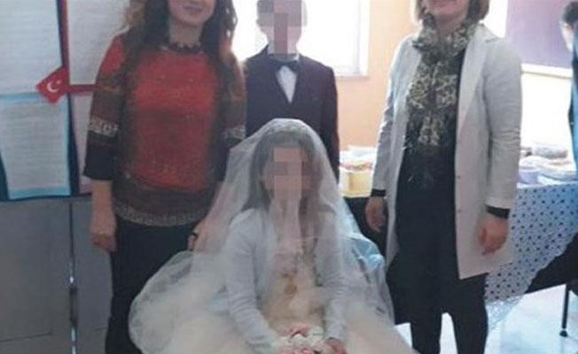 Ortaokul öğrencilerine derste 'düğün'