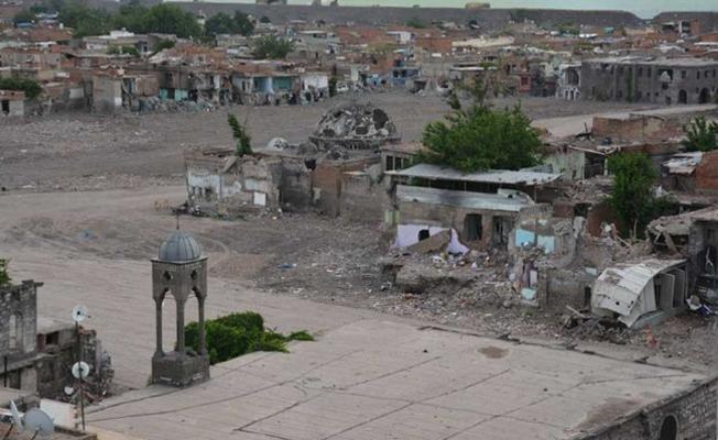 Sur'da karakol yolları için 59 tescilli yapı yıkılacak!