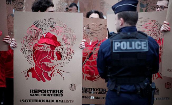 Cumhurbaşkanı Erdoğan, Paris'te protestoyla karşılandı