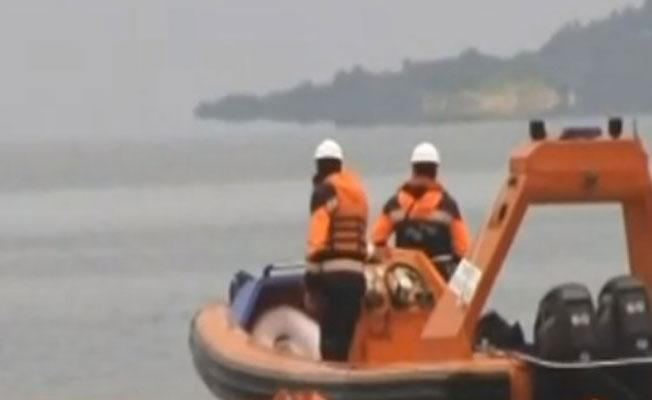 Denize mazot sızdı, Urla Limanı kapatıldı