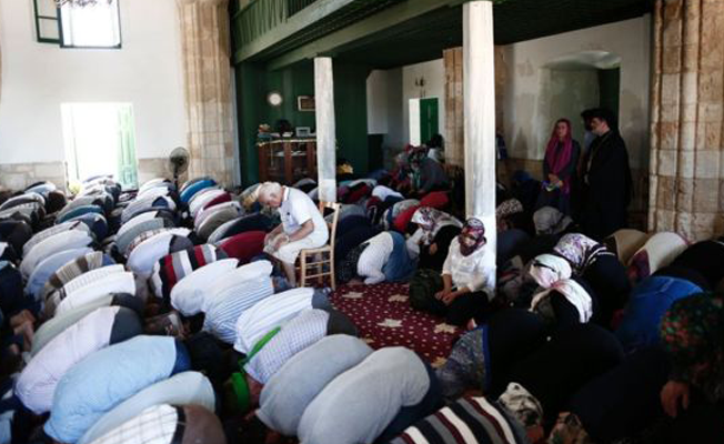 Guardian: Kıbrıslı Türkler Ankara'nın artan dini etkisinden endişeli