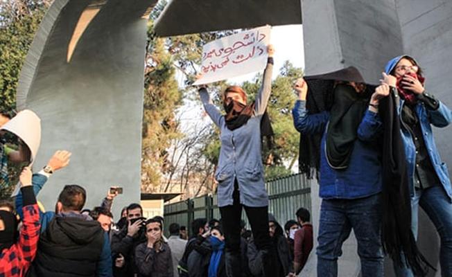 'İran'daki gösteriler haklı ama hiçbir şeyi değiştirmeyecek'