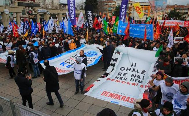 KESK'ten 'OHAL değil demokrasi' mitingi