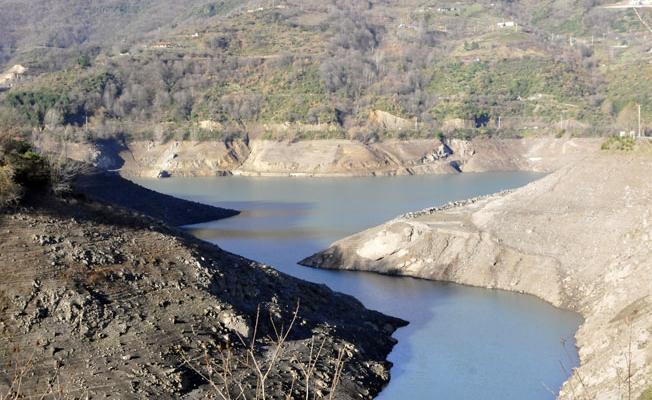Kocaeli'ye içme suyu sağlayan baraj kuruma noktasına geldi