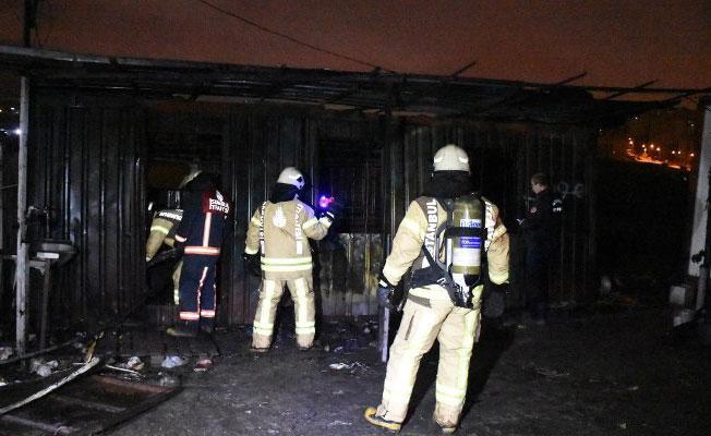 Kağıt toplayıcıların konteynerinde yangın: 3 işçi hayatını kaybetti