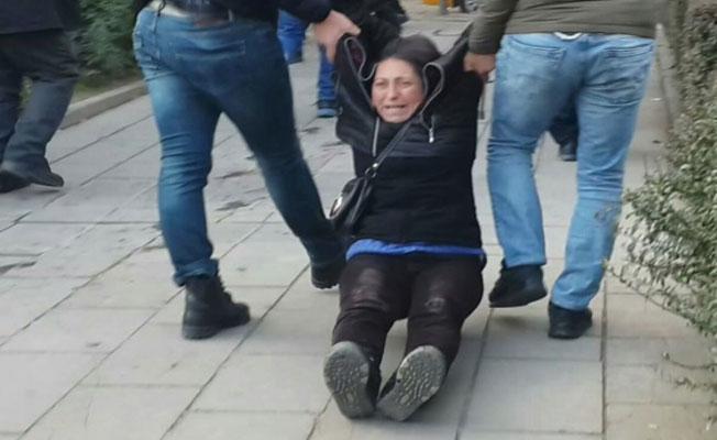 Semih Özakça'nın annesi ile Nuriye Gülmen'in kardeşine gözaltı