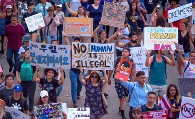 Trump'ın genç göçmenlerle ilgili kararına yargı engeli
