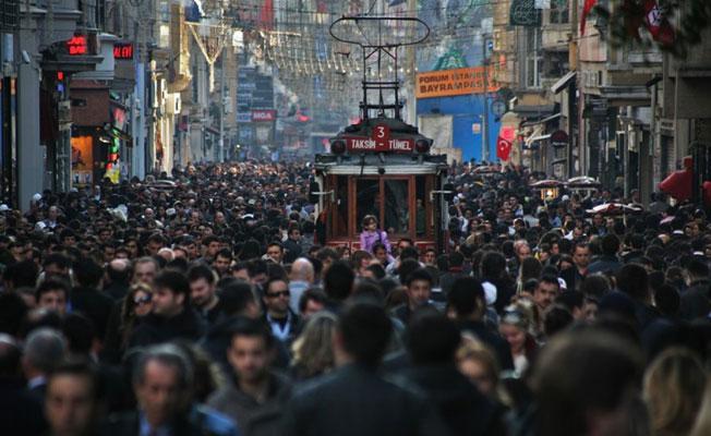 Türkiye'nin 'en büyük sorunu' anketi: Ekonomi ve eğitim
