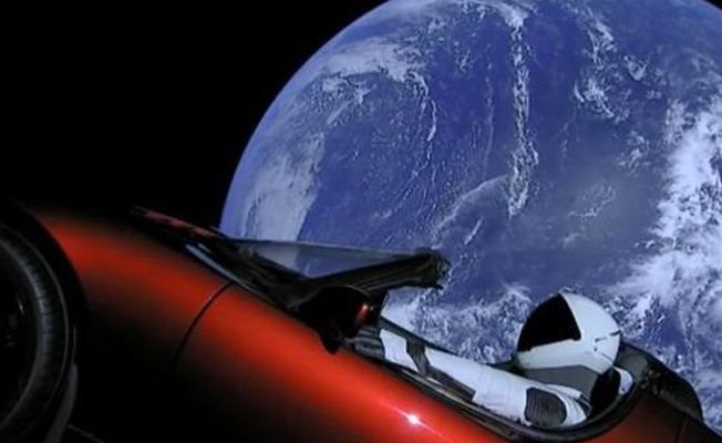 Elon Musk spor arabayı uzaya nasıl yolladı?