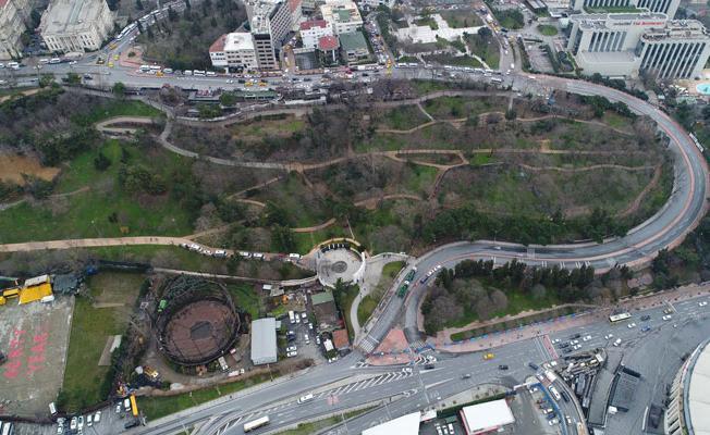 'Tünel çalışmalarında yeşil alan kaybı olmayacak' denilmişti: Maçka Parkı'nda ağaçlar sökülüyor