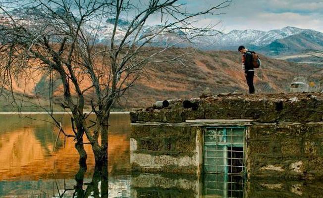 Türkiye'de sansüre uğrayan Zer filminin yönetmeni Öz: İktidar sanattan korkuyor