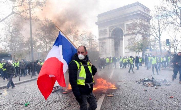 Erdoğan: Paris'te terör eylemleri var, uluslararası medyada bir ses yok
