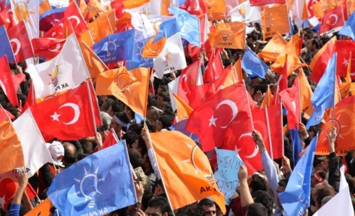 AKP'nin üye sayısı 1 yılda yaklaşık 800 bin azaldı