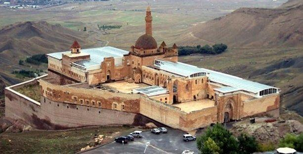 330 yıllık İshak Paşa Sarayı'na cam tavan!