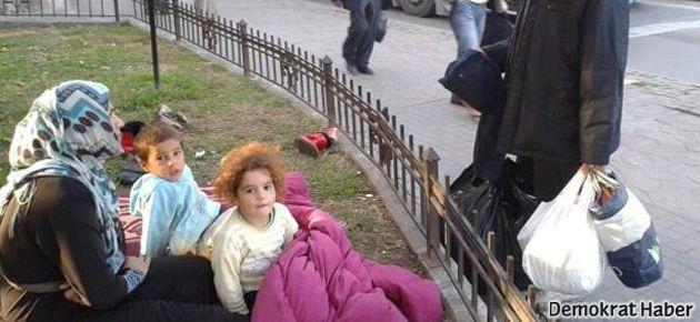 400 bin Suriyeli mülteci sokaklarda yaşıyor