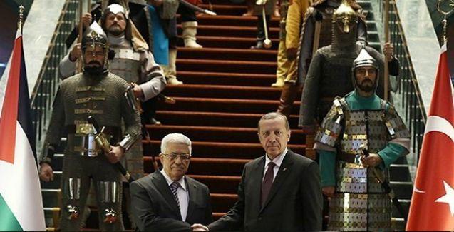 'Abbas Osmanlı sirkinde ağırlandı'