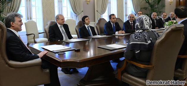 Abdullah Gül'den Cemaate rakip vakfa destek