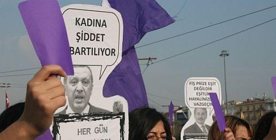 Ahmet Çakar'a Mor Kart!