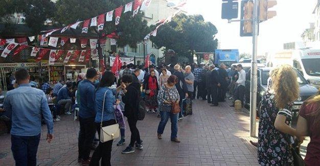 AK Parti standına camiden kaçak elektrik çekildi!