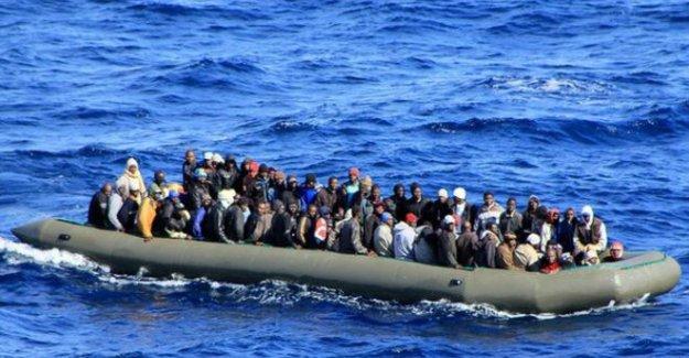 Akdeniz'de 3700 göçmen kurtarıldı