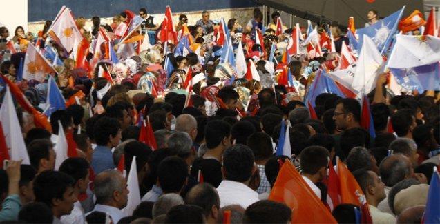 AKP'nin Mersin mitinginde Haremlik-Selamlık uygulaması