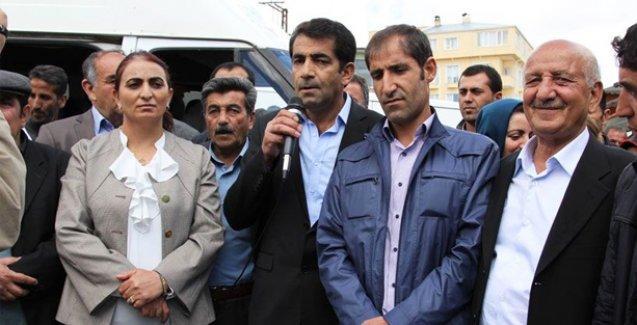 AKP'nin Van Başkale yönetimi istifa ederek HDP'ye katıldı
