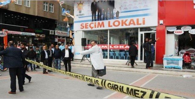 AKP seçim bürosuna silahlı saldırı: Eski vekilin oğlu hayatını keybetti