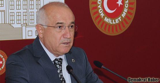 AKP'de muhtıra atışması