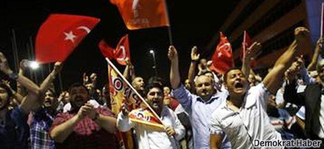 AKP'liler için sabaha kadar metro seferi
