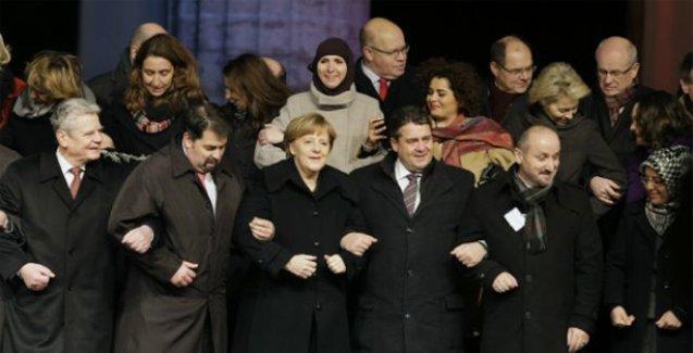 Alman liderler Müslümanların gösterisinde