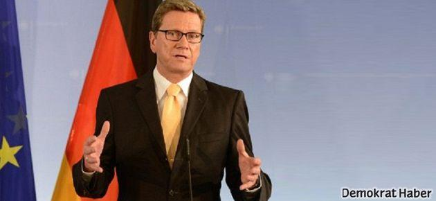 Almanya, Suriye'ye saldırıya katılmayacak