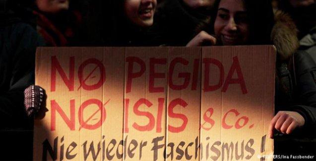 Almanya'da on binlerce Pegida karşıtı meydanlarda