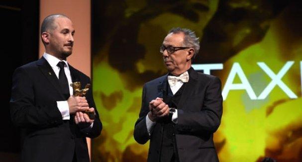 'Altın Ayı' ödülünü Jafar Panahi'nin 'Taxi' filmi kazandı
