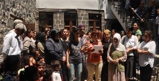 Amida Kadın Merkezi'ne ses bombası atıldı